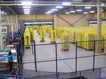 ロボット商品棚が自動で走り回るAmazonの倉庫がスゴい