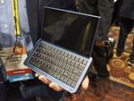 世界初の4in1デバイス「Graalphone」はスマホ・3Dカメラ・タブレット・PCが1台に!?