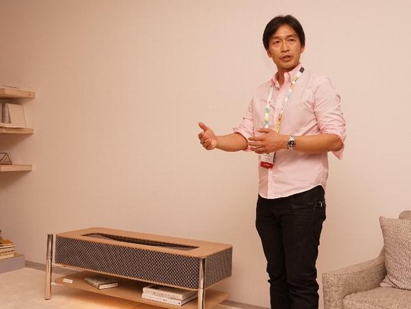 「Life Space UX」の製品群を担当するソニーTS事業準備室室長の斉藤博氏