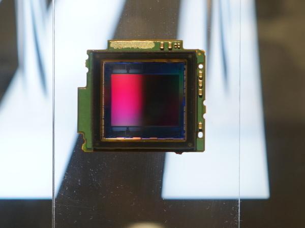 新開発のLiveMOSセンサー