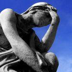 編集部員、頭痛と眼精疲労の対策を考える