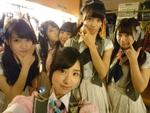 女子ペリア! AKB48から岩立沙穂ちゃんがグルーフィーに挑戦!【Xperia×アイドル】