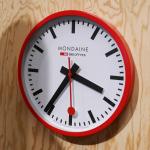 スイス国鉄時計モンディーンが「SBBコネクテッドウォールクロック」開発中だって