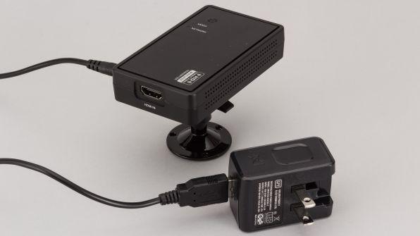 それぞれにACアダプターを接続する必要があるので完全ケーブルレスにはならない