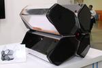 話題の四ツ葉型PCケース「QUADSTELLAR」をCOMPUTEXで触った!