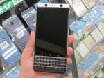 物理QWERTYキーボード搭載の「BlackBerry KEYone」がアキバ初登場
