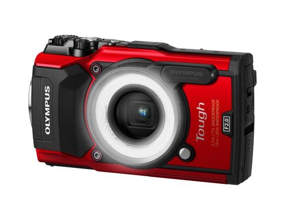 「LG-1」はカメラのLEDをリングライトのように光らせるアダプター。LG-1にLEDを搭載しているわけではない