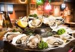 生牡蠣、ステーキなど全品半額!目黒のオイスターバーがオープンイベント