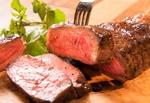 渋谷の肉バルで半額キャンペーン! ステーキも酒もチョー安い