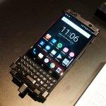 TCLが日本発売予定の「BalckBerry KEYone BLACK EDITION」などを展示