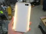 今度は電球色だ! メチャ光る自撮り用iPhoneケースに新モデル