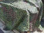 ハンヴィーを丸ごと隠せるカモフラージュネットを比べました