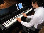 スマホの楽曲から速攻で譜面を作成!ヤマハの最新電子ピアノ「CSPシリーズ」