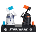R2-D2、ドロイド同士で殴り合う