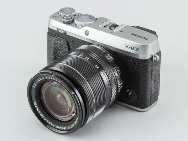 「フジノンレンズXF18-55mmF2.8-4 R LM OIS」が付属するレンズキット。同社オンラインショップで16万6860円で販売されている。本体の色はシルバーとブラックから選択可能