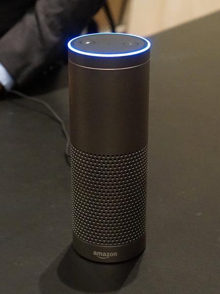もっとも大きな「Echo Plus」。PhilipsのZigBee対応製品を直接コントロールできる