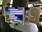 KDDIが沖縄で言語の壁を越える未来のタクシーを実証実験