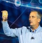 Intel、基調講演で量子コンピューターや脳型コンピューター、CPUの脆弱性対策に言及