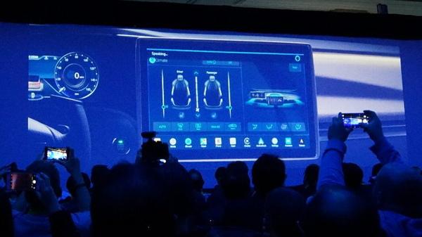 「Amazon Alexa」による車載システムは米AmazonのAmazon Alexa担当SVP、Tom Taylor氏がデモ