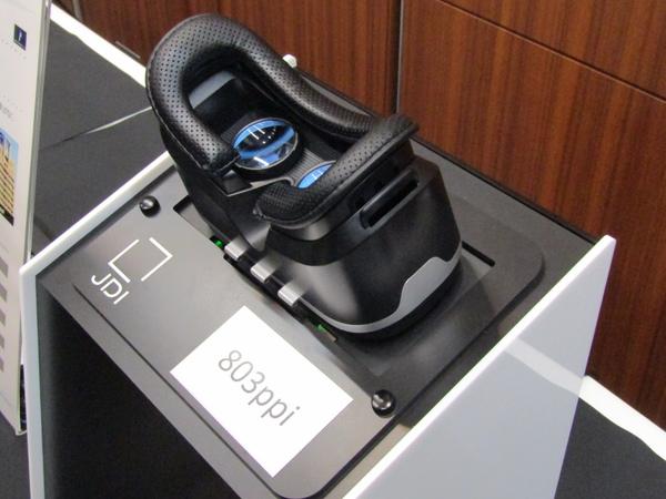 VR向けディスプレー。会場には803ppiのものが展示されていた
