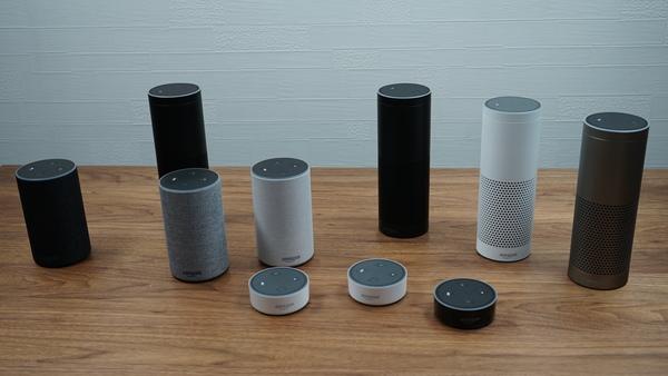 「Amazon Echo」。3つのラインナップがあり、さらにカラーバリエーションも用意