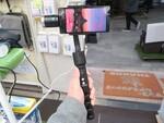 ターゲットを逃がさない! 撮影対象を自動追尾する電動スタビが発売