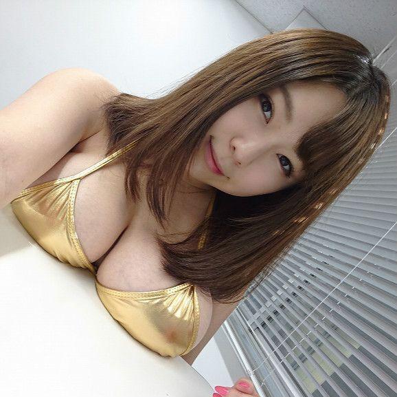 Jカップの結城ちかちゃんが特技「PPOP」をスローで撮影!