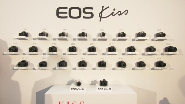 歴代の「EOS Kiss」と最新の「EOS Kiss M」