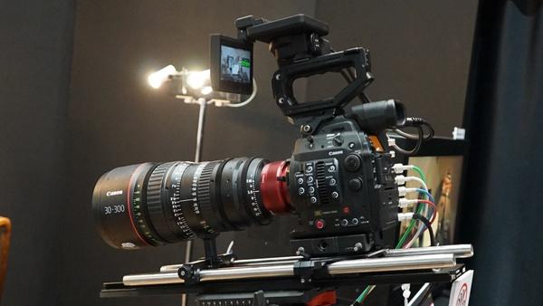 キヤノンが参考展示していた8Kカメラ
