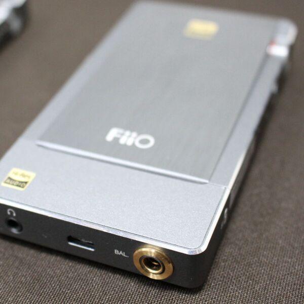FiiO、Bluetoothでも高音質のポタアン「Q5」の詳細を説明