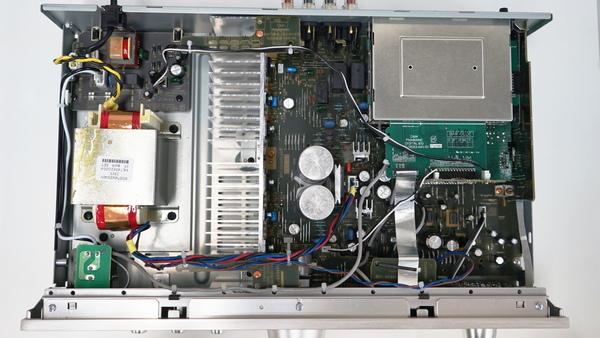 PMA-800NEの内部
