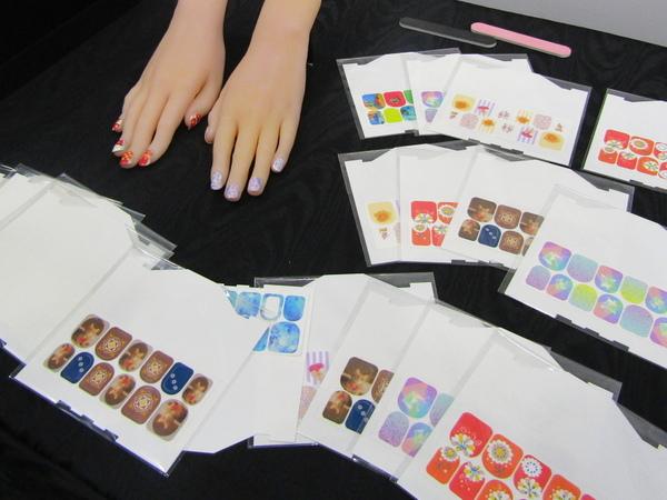 プリンターで爪をデコレーションできる「ネイルシール」