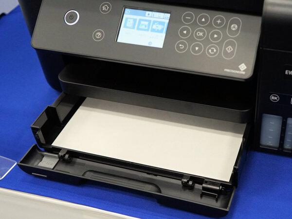 前面給紙に対応する両面印刷機だ