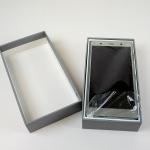 Xperia XZ2 Premium購入で開封の儀! 箱や同梱物はちょっと残念