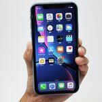iPhone XR開封フォトレポ、鮮やかなブルーがいい感じ!