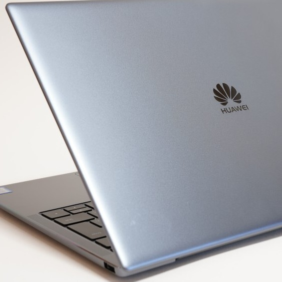 HUAWEI MateBook X Proは動画もド迫力で楽しめる軽量モバイルノート