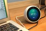 アマゾン、画面が付いた新スマピ「Echo Spot」を国内販売