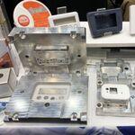 IoTデバイスの少量生産を可能に、25万円から金型が作れる企業があった