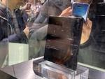 世界初の5G対応折りたたみスマホ「HUAWEI Mate X」の実機を見た!