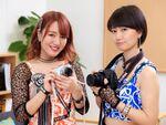 関根梓と新井愛瞳がカメラで対決!本日より販売開始!