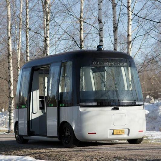 無印良品がデザインした自動運転バスが実地走行へ