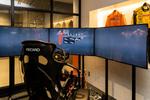 オートバックス東雲のリアルシミュレーターでレースカーを体験!