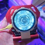 アイアンマンっぽいデザインのワイヤレス充電器