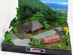 Zゲージ規格の走る鉄道模型 A4サイズの中に広がる感動の情景