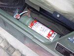 ハンヴィーに改造した消火器ブラケットを取り付けました