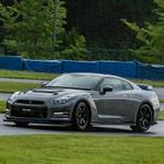 初期R35 GT-Rが輝きを取り戻すNISMOチューンは雨の日でも快適