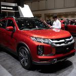 SUVとPHEVで生きていくと強く感じさせる三菱自動車ブースの展示車両