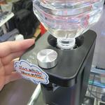 ペットボトルを直結して2秒で沸騰させる瞬間湯沸かしケトル
