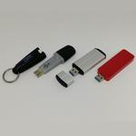 1TBの高速USBフラッシュメモリーに続いてよく似た「1TBスティックSSD」を衝動買い