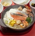 ガスト「石狩風鍋とミニねぎとろ丼和膳」